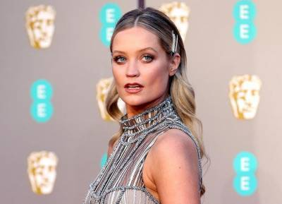 Laura Whitmore shares bump snap in bath as she deals with 'really anxious' day
