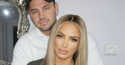 Katie Price jets off on holiday with fiancé Carl Woods as travel rules are eased