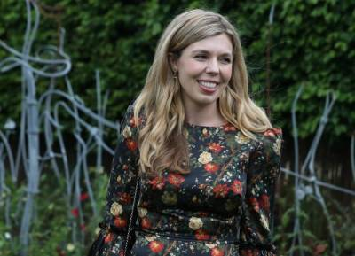 Carrie Symonds relied on smart styling tips to hide baby bump
